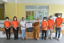 Chùa Giác Ngộ trao yêu thương, tiếp vật phẩm đến UBND Quận Gò Vấp