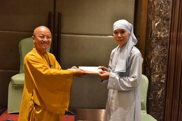 Quỹ Đạo Phật Ngày Nay Cúng dường Học Bổng Tiến Sĩ cho Tăng Ni sinh – kỳ 2 (HBTS_2)