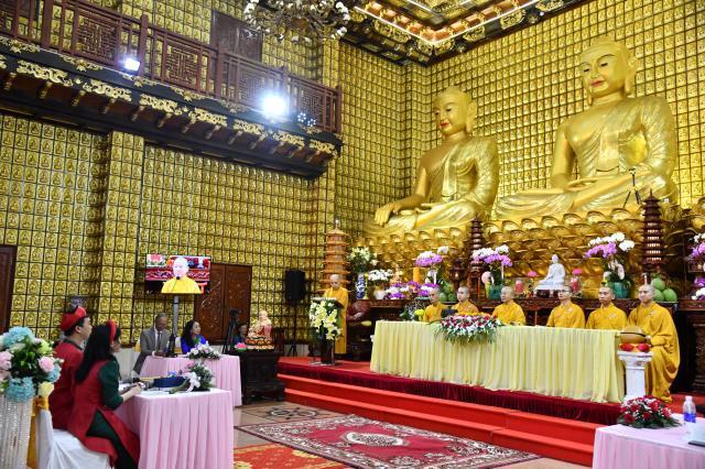Thắt tình vợ chồng - kết nghĩa phu thê tại điện Phật chùa Giác Ngộ